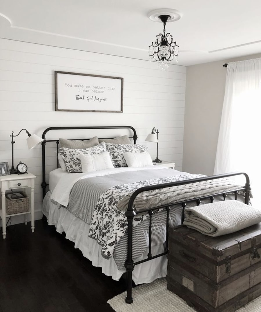 7 beautiful farmhouse bedrooms looks in a budget