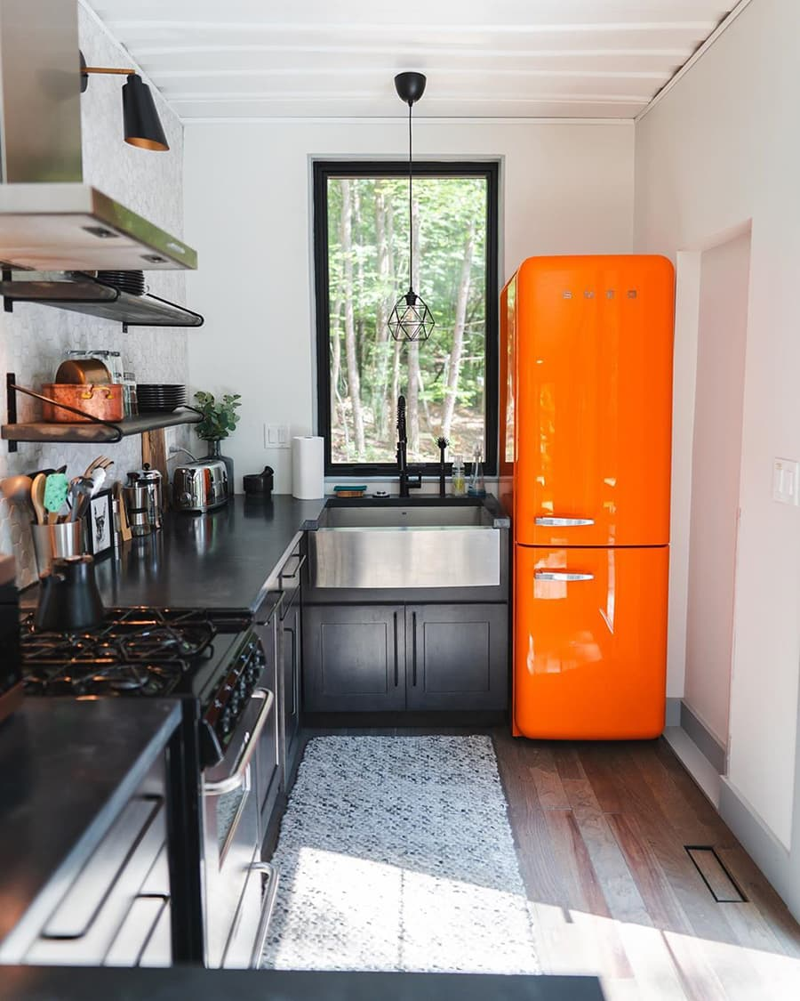 minimal container kitchen