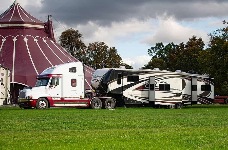 fifth wheel truck