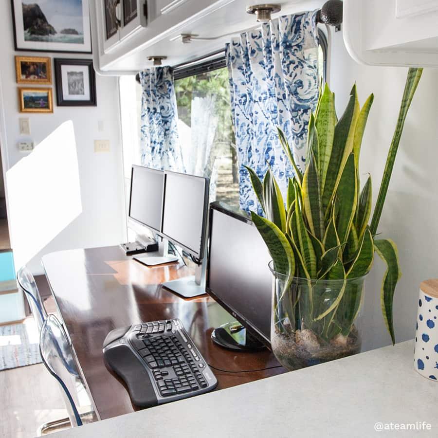 multiple monitor RV office